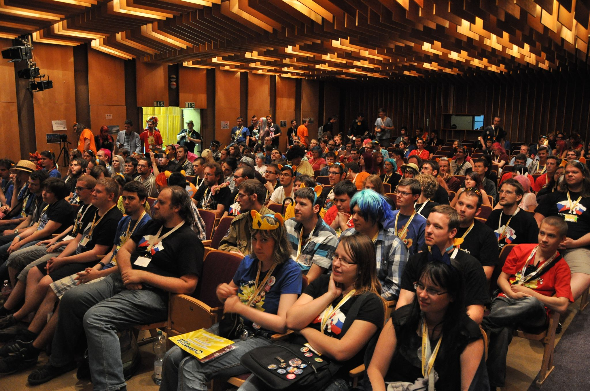 Czequestria 2015 - Mane Hall; photo by Michy