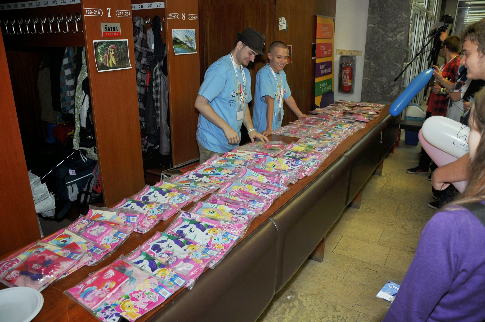 Czequestria 2014 – MLP magaznies donated by Egmont